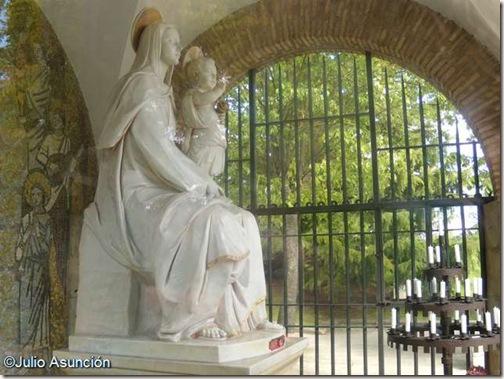 Santa María Madre del Amor Hermoso - Pamplona
