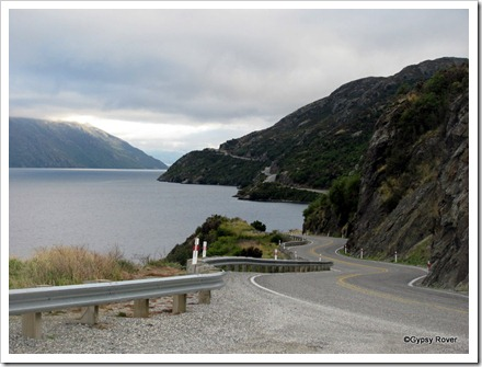 The road around Lake Wakatipu.