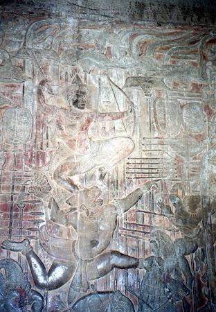 Obiective turistice Cambogia: statui Angkor Wat