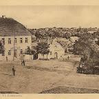 nr 2 Staszów ulica Krakowska z magistratem.jpg