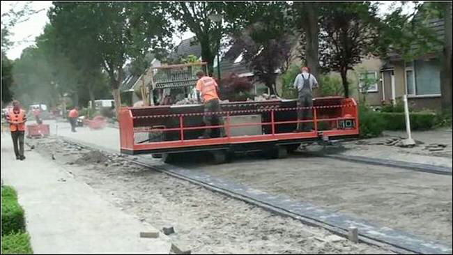 Tiger-Stone : Brick-Road Laying Machine