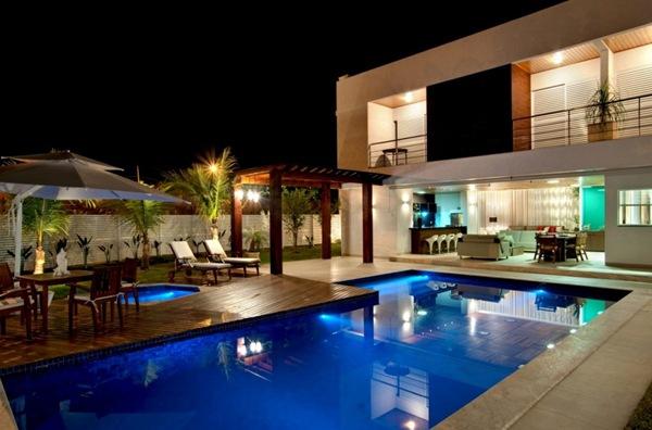 piscina-casa-de-lujo