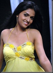 actress_sunaina_without_makeup_hot_stills1