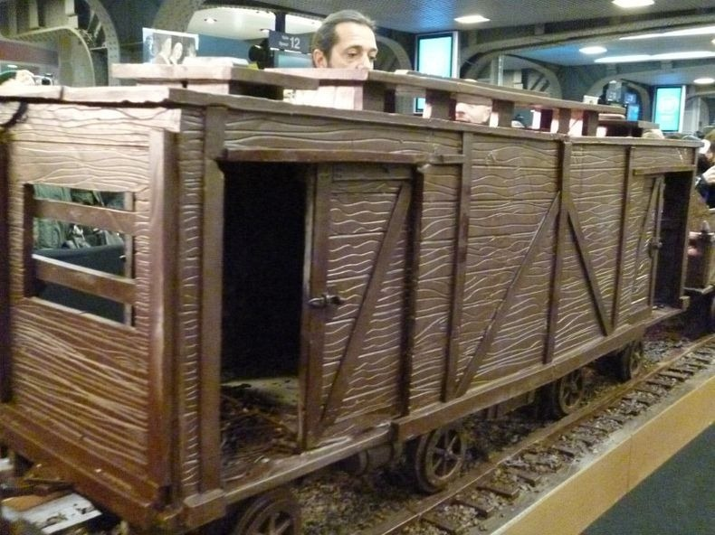 chocolate-train-3
