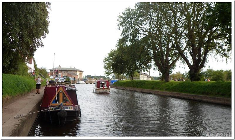 SAM_3047  Naburn Lock moorings