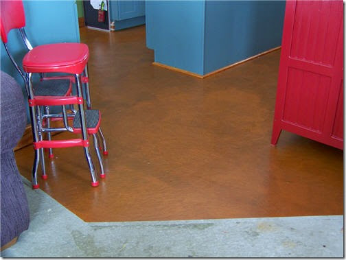 finished-floor-near-pantry-001