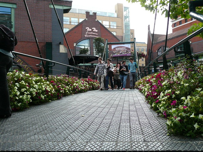 Бриндли плэйс (Brindley Place)