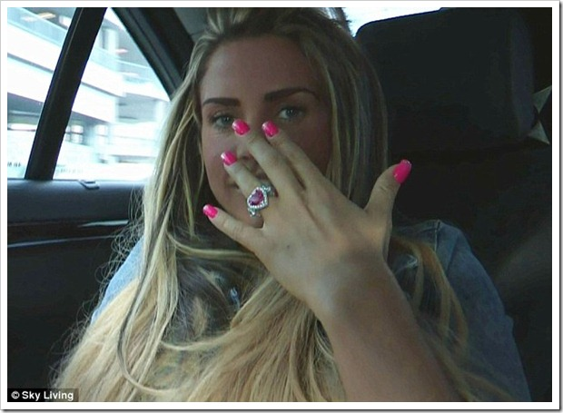 Katie-Price-Wearing-Heart-Shaped-Engagement-Ring