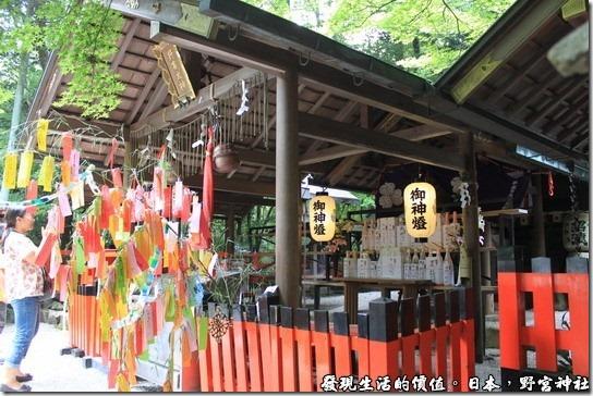 日本-野宮神社,中央正殿供奉的的是主宰健康及智慧之神的「野宮大神(天照大神)」。