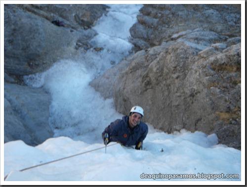 Cascada de Hielo de La Sarra 250m WI4  85º (Valle de Pineta, Pirineos) (Isra) 8183