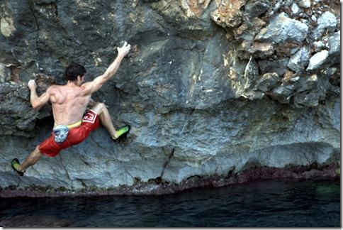 Mauro Calibani si scalda sul traverso di Cala Firriato