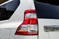 2014-Toyota-Land-Cruiser-Prado-36.jpg