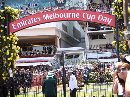 mounting yard gate