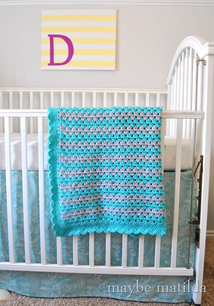 Pattern and photo tutorial to make this granny stripe baby blanket!
