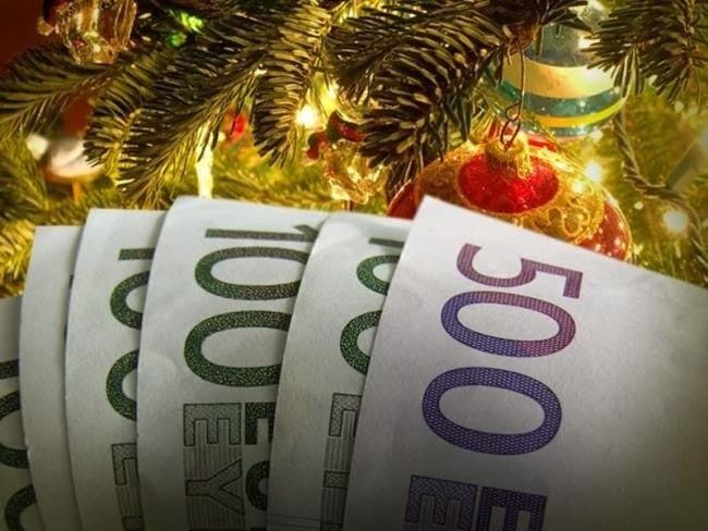 Δώρο Χριστουγέννων: Ποιοι το δικαιούνται, πώς υπολογίζεται, πότε καταβάλλεται