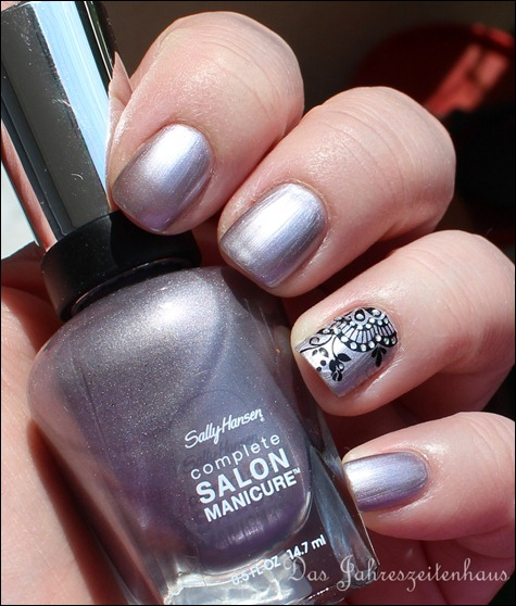 Sally Hansen Pedal to the Metal mit Nail Art