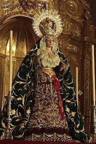 esperanza-guadix-vestida-para-la-coronacion-canonica-de-la-soledad-alvaro-abril-2012-(1).jpg
