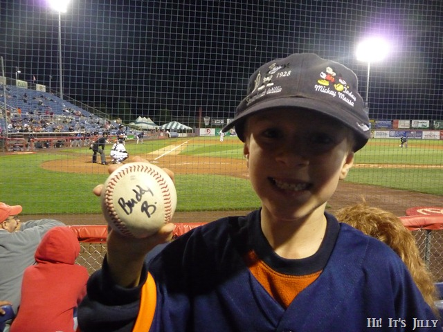ball signed by B-Mets mascot