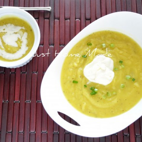 Onion, Apple and Acorn Squash Soup