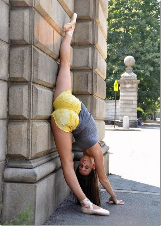 wall-split-girls-060