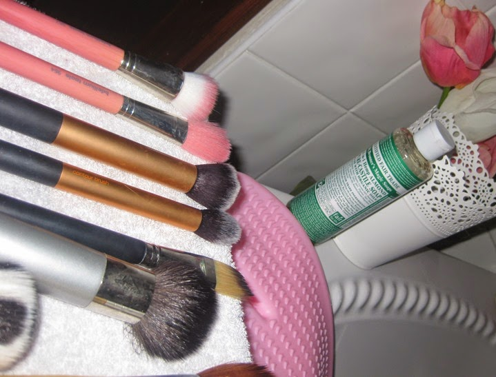 How-to-clean&dry-makeup-brushes