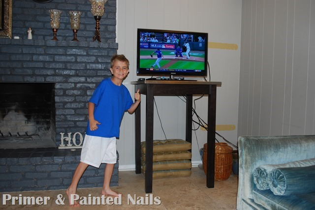 Sad TV Corner Photo Bomb - Primer & Painted Nails
