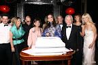 Momento de la torta por el festejo del décimo aniversario de la Fundación
