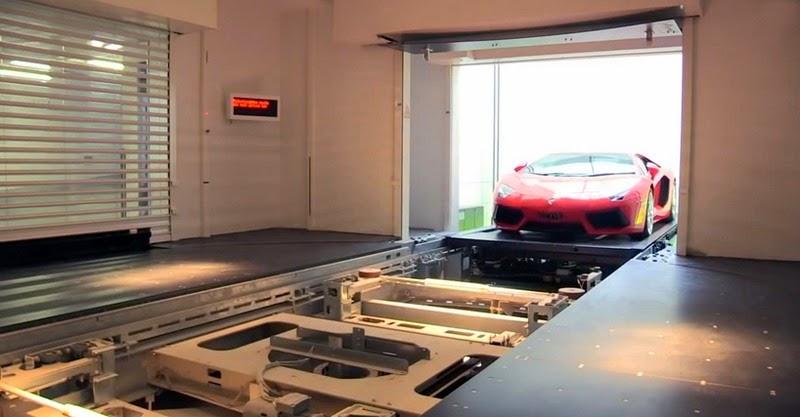 أغنياء سنغافورة يركنون سياراتهم الخارقة في غرف الجلوس hamilton-scott-2%2