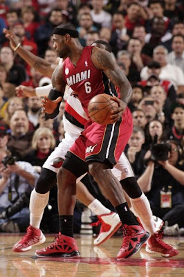 lebron james nba 130110 mia at por 04 King James Debuts LBJ X Portland PE But Ends Scoring Streak
