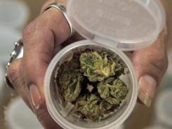 States-want-to-reclassify-marijuana-I0LJ2FM-x