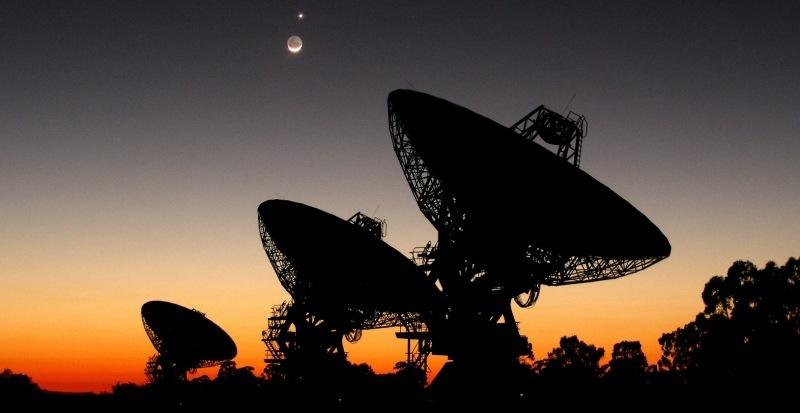 Resultado de imagen de Una potente señal emitida por una estrella lejana