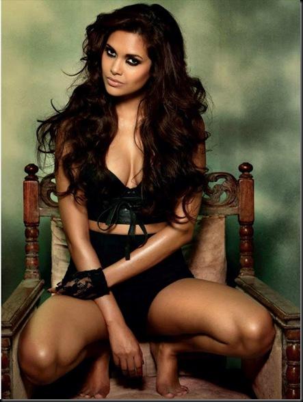 Esha-Gupta-Hot-Photo-Shoot-Photos-1004
