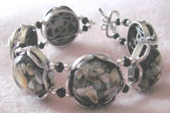 black silver dicohric shell bracelet2