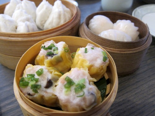 Char sui bun; Har gau; Pork and prawn shui mai