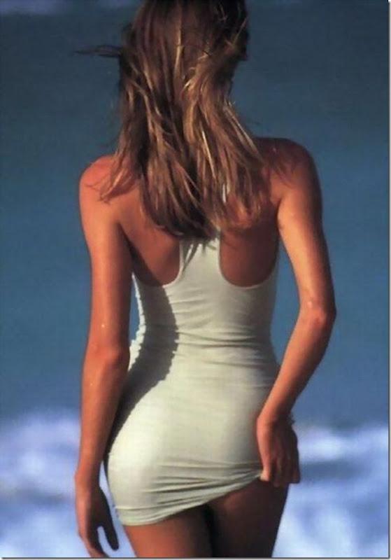 Garotas em vestidos apertados (8)