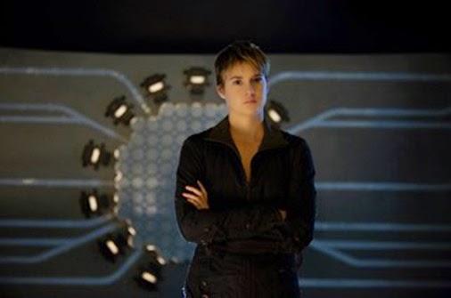 Woodley as Tris