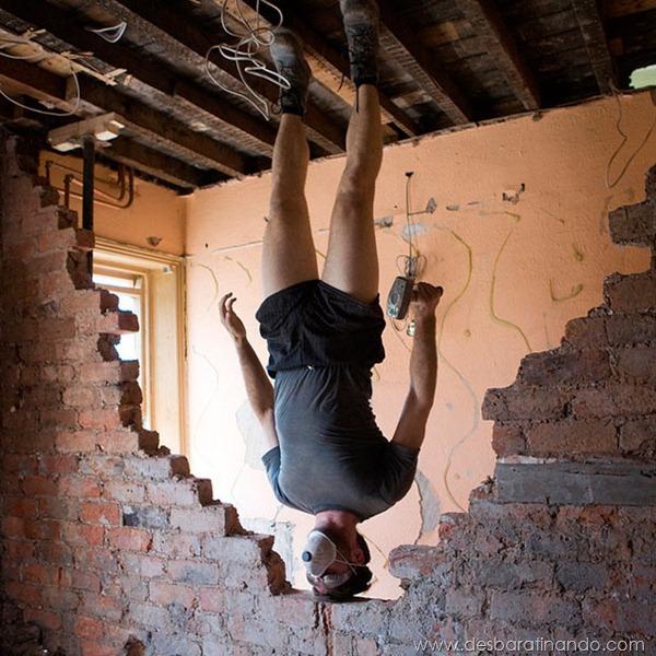 upside-down-self-portraits-stephen-caulton-morris-desbaratinando (11)