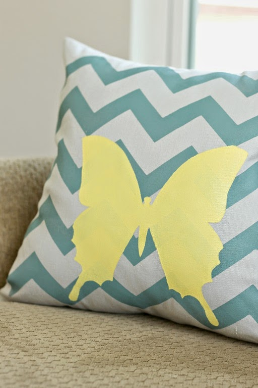stenciled pillow #tulipforyourhome #ilovetocreate #paints #stencils