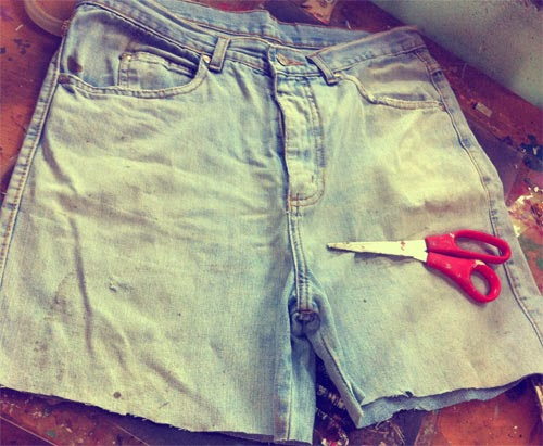 diy-como-transformar-calca-em-saia-jeans.jpg
