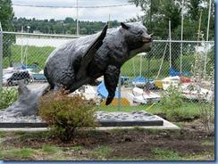 0956 Alberta Calgary - Heritage Park Historical Village - sculpture