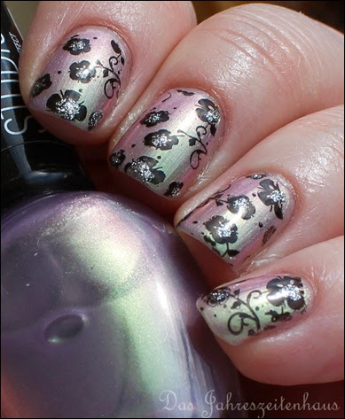 Flowers duochrom Nail Art 8