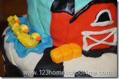 DIY Marshmallow Fondant Duck, Hay Bales, Farm