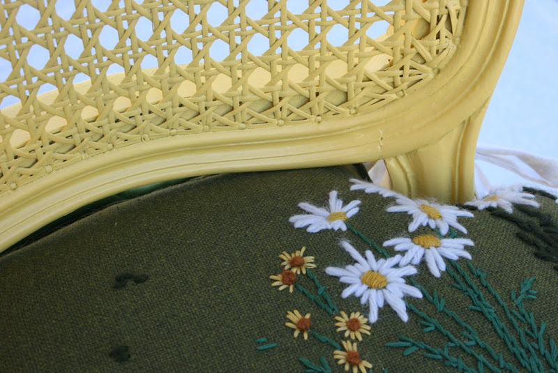 daisy chair 030