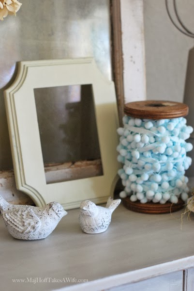 Srping birds Pom Pom trim Vintage spool empty frame