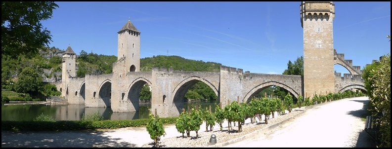 cahors bridge v pan