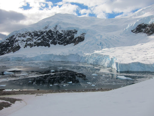 We had to keep our distance from the large, active face of the glacier next to the landing site.