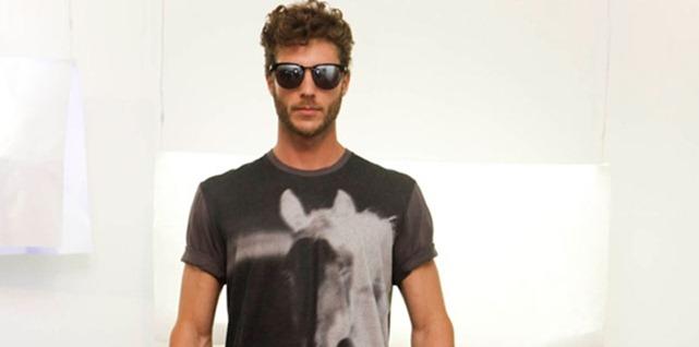 Alexandre Herchcovtch lança coleção verão 2013 em parceria com marca de surfwear