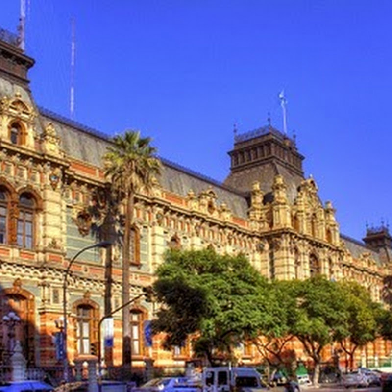The towns and cities of Argentina are numerous and varied.