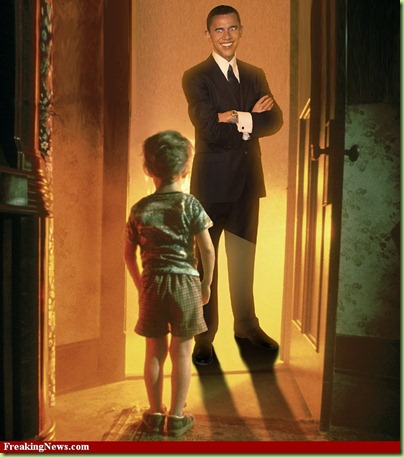 Obama-Alien-Greeting-Boy-at-Door--59096