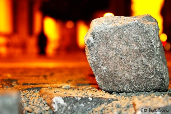 macro_20110925_stone